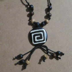 Collier etnica Labyrinthe, rond.