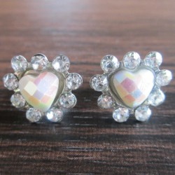 Boucles d'oreille strass Zoli coeur, blanches.