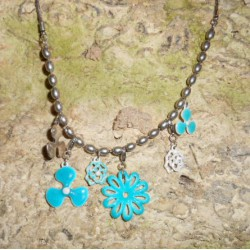 Collier Blue Flowers